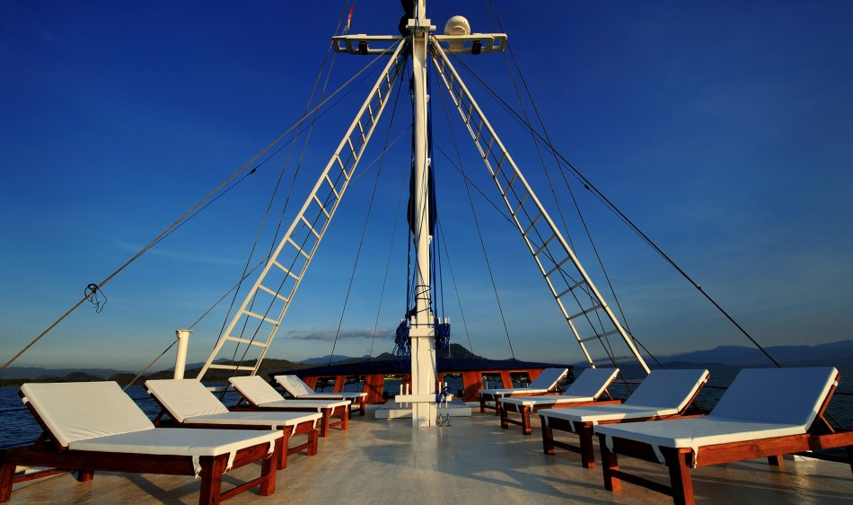 SY Philippine Siren - Diving Holidays