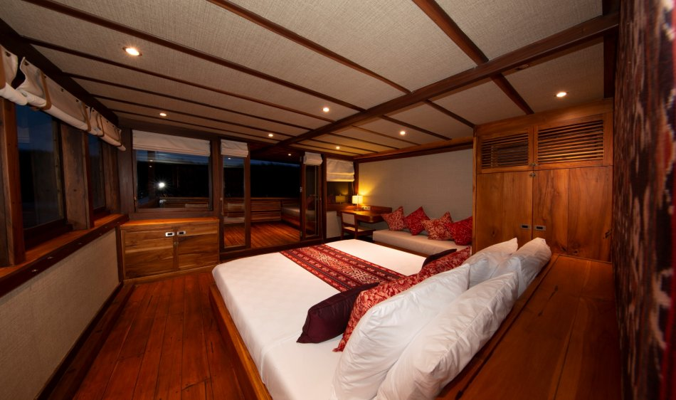Coralia Liveaboard - Diving Holidays