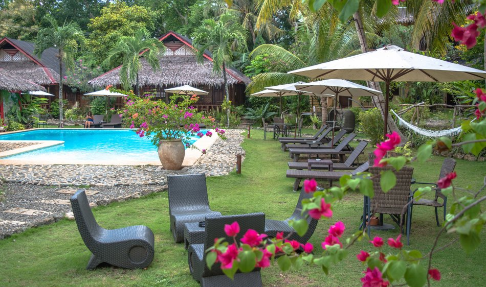 Oasis Beach & Dive Resort - Diving Holidays