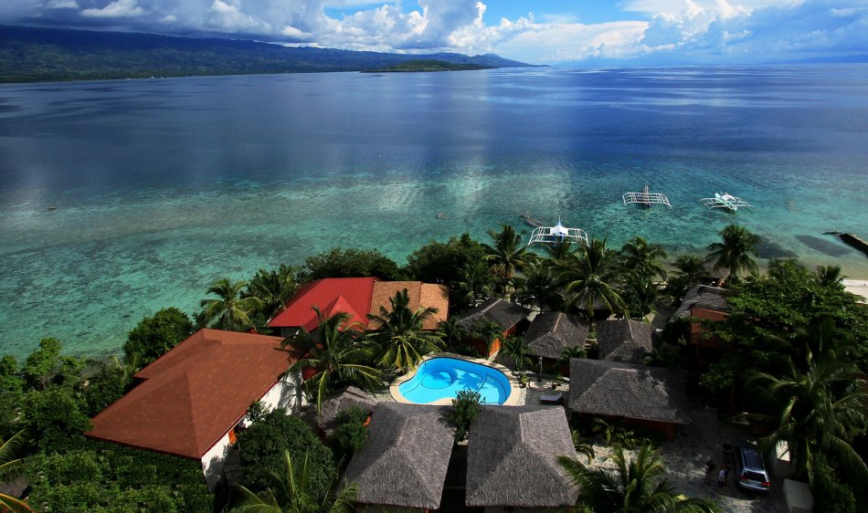 Magic Island Dive Resort - Diving Holidays