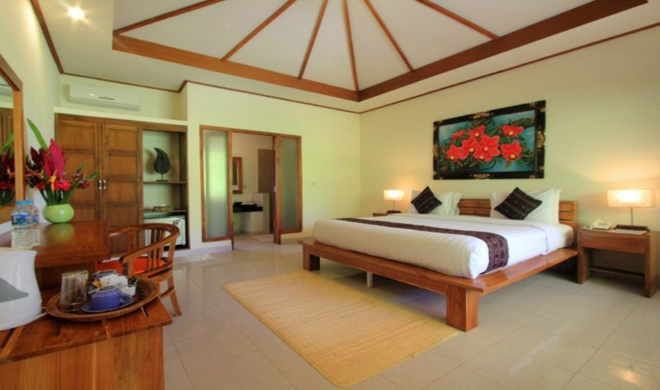 Puri Sari Beach Hotel - Diving Holidays
